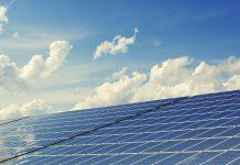 sončne celice na strehi