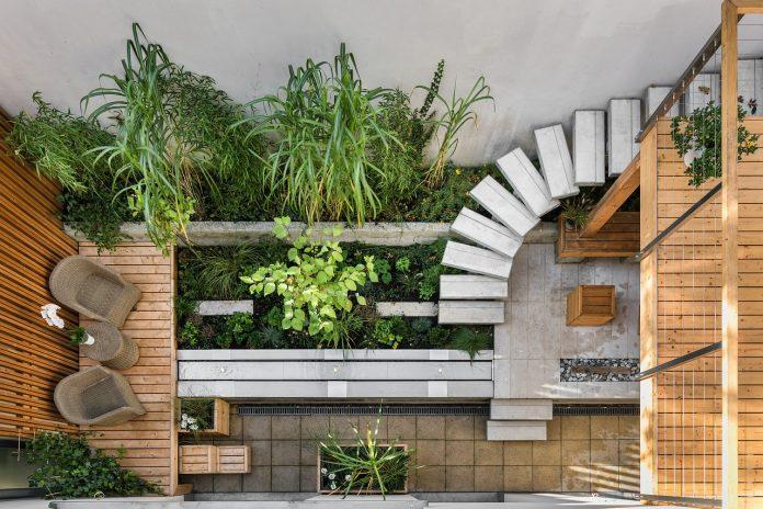 zelena stena na balkonu