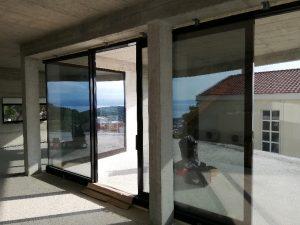 ALU stavbno pohištvo je idealno za večje stekleme površine