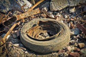 Odpadna avtomobilska guma