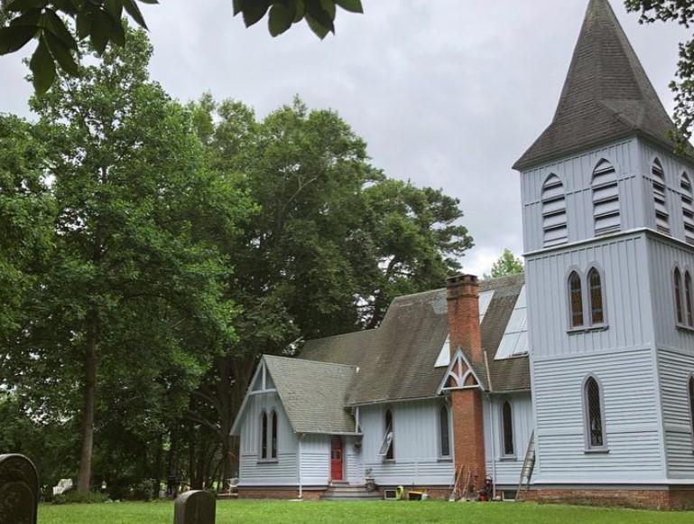 Cerkev spremenili v dom