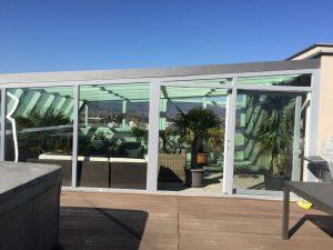 Z ustreznimi vrati in okni je zimski vrt izjemno zračen prostor.