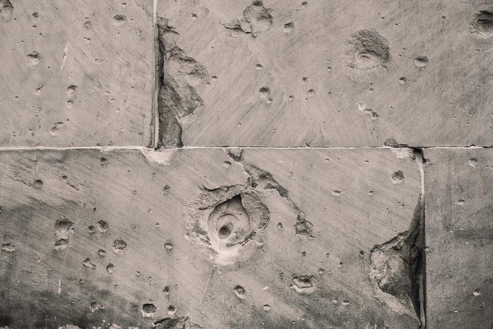 Poškodovan cement