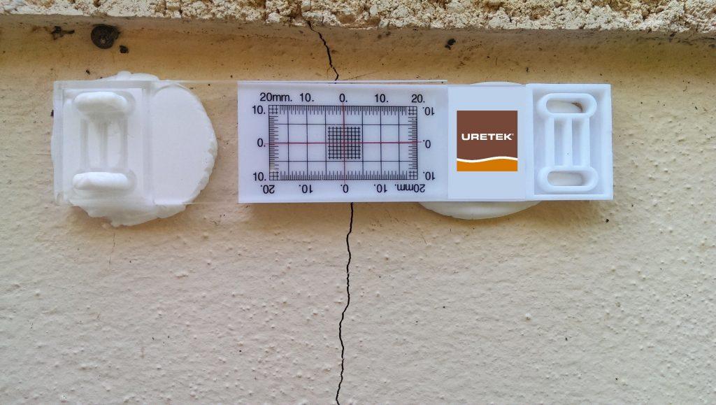 merilnik za nadzor razpok uretek