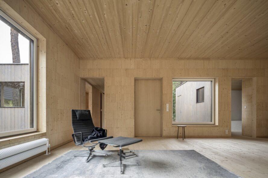 Haus-Koeris-Zeller-Moye