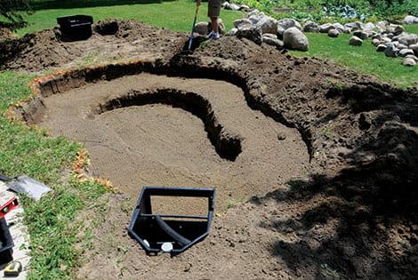 Izkop luknje za ribnik