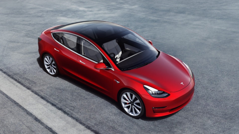 Teslin model 3 je eden najbolj prodajanih električnih avtomobilov na Otoku