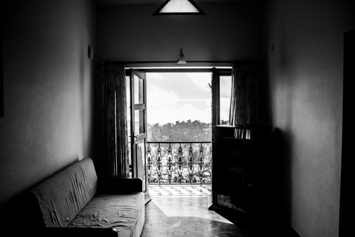 Odprta balkonska vrata