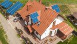 Sončna elektrarna na strehi hiše