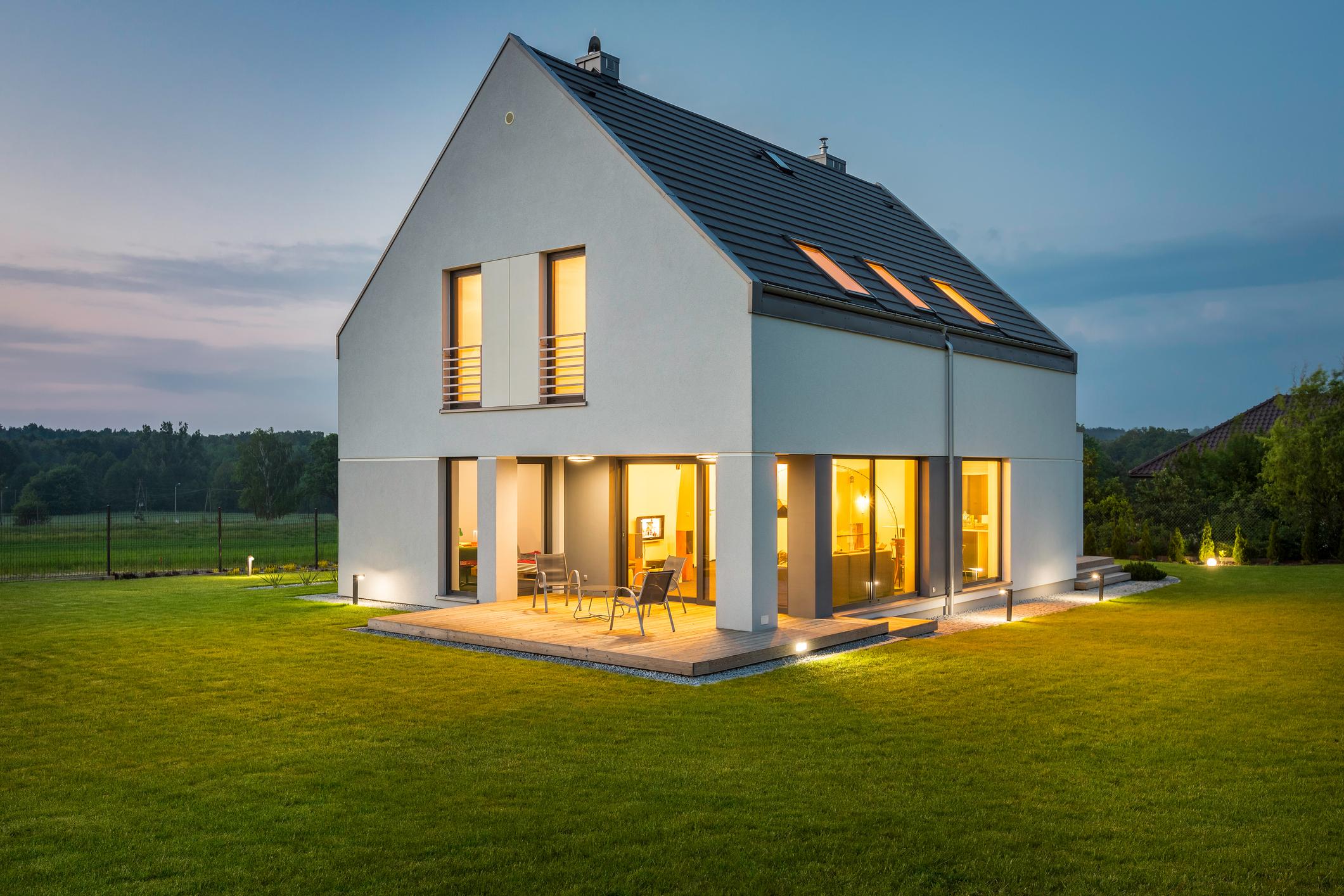 Osvetljena nova hiša