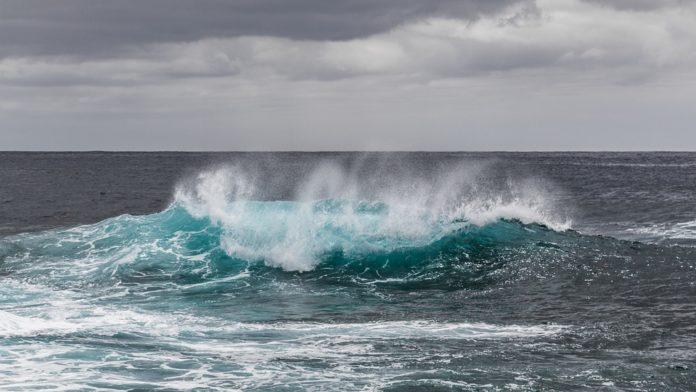 Razburkani valovi na morski gladini