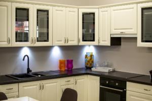 Kupci vse bolj cenijo večje število kuhinjskih omaric