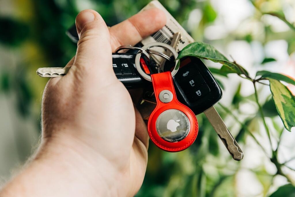 AirTag na ključih ali drugem predmetu