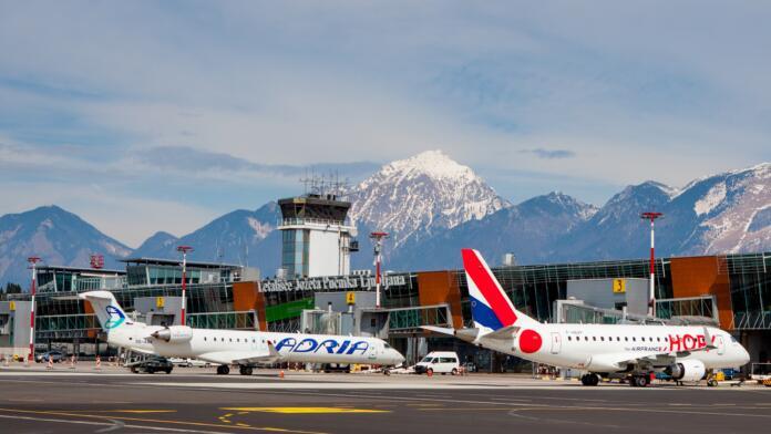 Ljubljansko letališče je zabeležilo 90-odstotni padec števila potnikov v prvem trimesečju