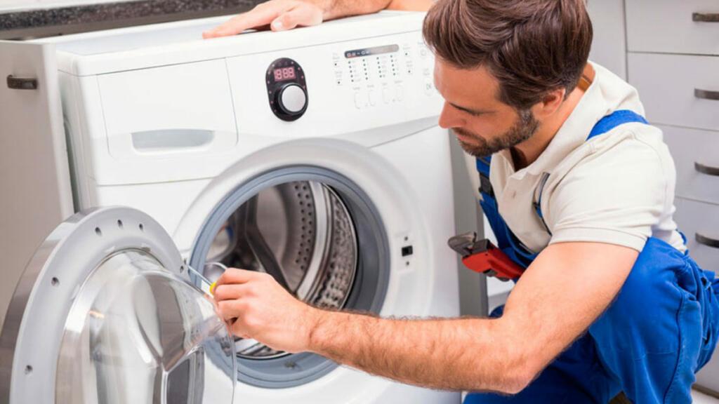 Popravilo pralnega stroja je včasih dražje od nakupa novega