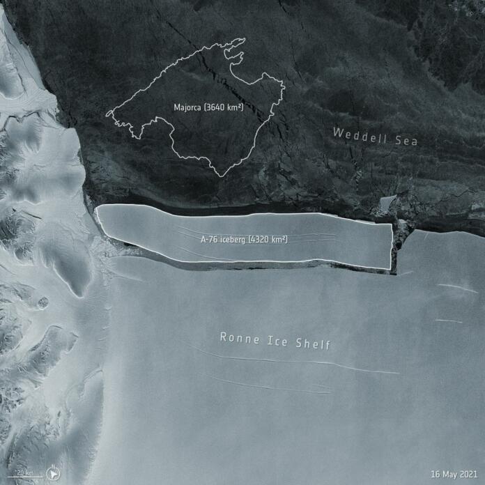 Satelitska slika ledena gore A-76 (Vir: Reuters)