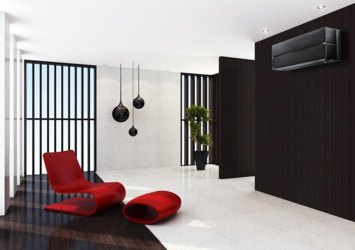 Moderna in elegantna dnevna soba s stolom in klimo
