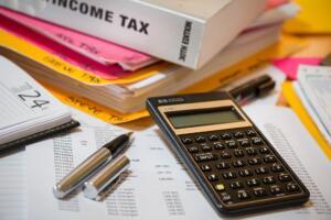 kalkulator in davčne knjige