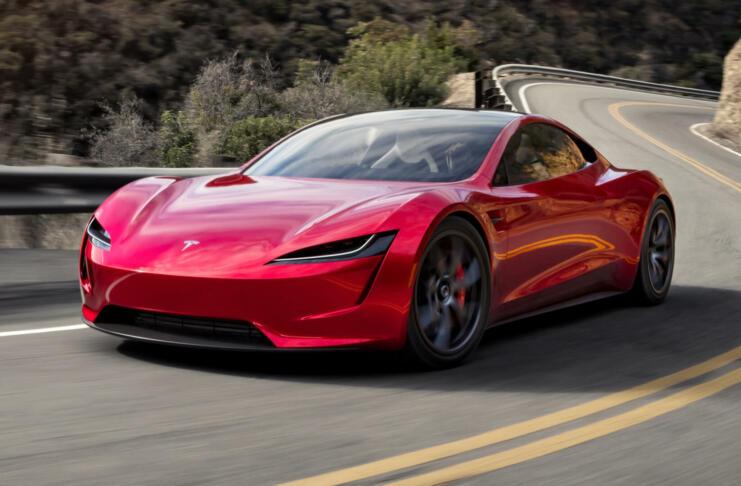 Tesla Roadster bo na ceste zapeljal šest let po predstavitvi